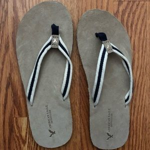 American Eagle Sueded Flip Flops Size 9